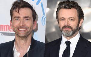 """David Tennant e Michael Sheen farão série """"Belas Maldições"""", de Neil Gaiman e Terry Pratchett"""
