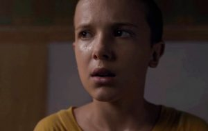 "Hello? Millie Bobby Brown precisou de Adele para chorar em ""Stranger Things"""