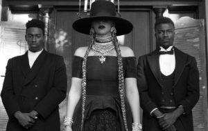 """Vinil do """"Lemonade"""" da Beyoncé é prensado errado e traz músicas de banda punk"""