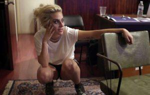"""Já vimos o documentário da Lady Gaga na Netflix, o dramático e vulnerável """"Five Foot Two"""""""