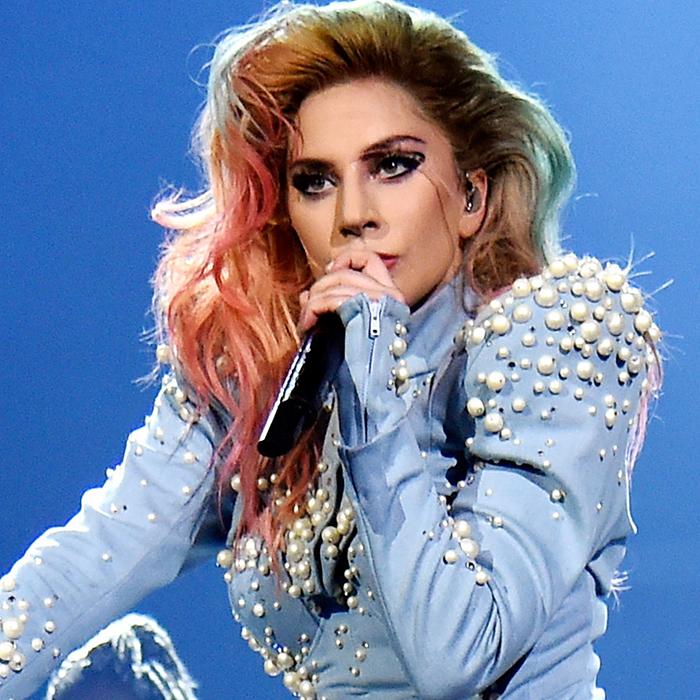 Lady Gaga cancela mais shows