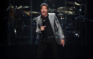 """Ao lado de Katy Perry, Lionel Richie e Luke Bryan serão jurados do novo """"American Idol"""""""