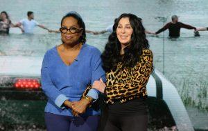 Cher, Nicki Minaj, DiCaprio, Bieber e outros famosos se juntam para ajudar vítimas de furacão