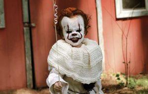 Esse garotinho vestido de Pennywise é o ensaio mais fofo e assustador que você verá