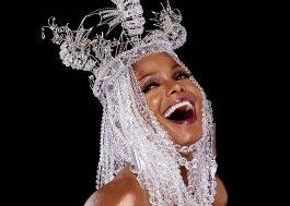 Toda linda e de topless, Janet Jackson é clicada por fotógrafo renomado