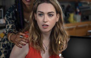 """Jamie Clayton, de """"Sense 8"""", critica escalação de Ivan em """"A Força do Querer"""""""