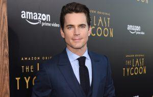 "Matt Bomer vai dirigir episódio de ""Versace: American Crime Story"""