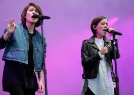 "Tegan and Sara convidam Hayley Williams, Cyndi Lauper e mais para cantar músicas do ""The Con"""