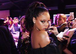 Linha de maquiagem de Rihanna é eleita uma das melhores invenções de 2017!