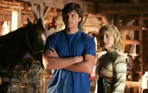 """Atriz de """"Smallville"""" é acusada de levar """"escravas sexuais"""" para chefões de Hollywood"""