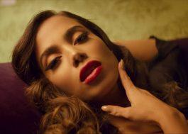 """Anitta tá pura sedução no clipe de """"Downtown"""" com o J Balvin e não estamos sabendo lidar!"""