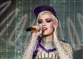 """Katy Perry tem visto negado na China e não se apresentará no """"Victoria's Secret Fashion Show"""", diz jornal"""
