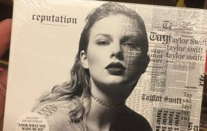 "Taylor Swift divulga lista de músicas do ""Reputation"""