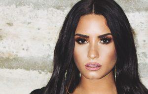 "Demi Lovato canta versão rock de ""Sorry Not Sorry"""