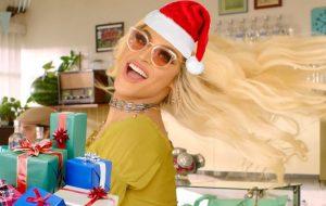 Equipe do Papelpop dá presentes de Natal para: Larissa Manoela, Pabllo, Dua Lipa, Kim
