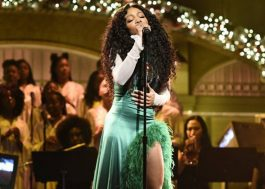 "SZA faz performances lindas de ""The Weekend"" e ""Love Galore"" no SNL"