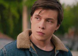"""""""Com Amor, Simon"""" conta a história de um garoto tentando sair do armário; confira novo trailer"""