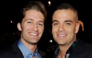 """Parte do elenco e equipe de """"Glee"""" reage à morte de Mark Salling"""