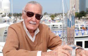 Stan Lee é acusado de assediar e apalpar enfermeiras