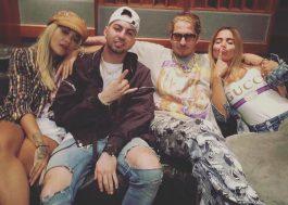 Parceria vindo por aí? Anitta posta foto em estúdio com Rita Ora