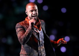 Com hits e homenagem ao Prince, Justin Timberlake faz show no Super Bowl