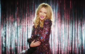 "Kylie Minogue é a rainha do country no clipe de ""Dancing"""