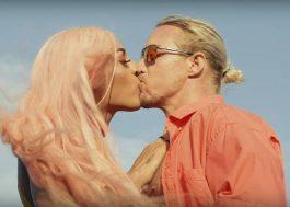 """Pabllo Vittar e Diplo se beijam no clipe de """"Então Vai"""""""