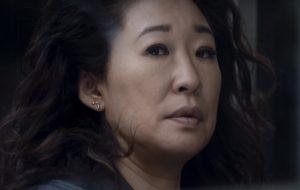 """Sandra Oh, a Cristina de """"Grey's Anatomy"""", está de volta à TV! Veja trailer de sua nova série"""