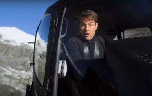 """Tom Cruise se arrisca com manobra de helicóptero nesse vídeo de """"Missão: Impossível"""""""