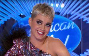 """Katy Perry flertando com esse participante do """"American Idol"""" representa todos nós"""
