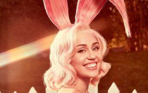Toda coelhinha, Miley Cyrus faz ensaio lindo para a Vogue