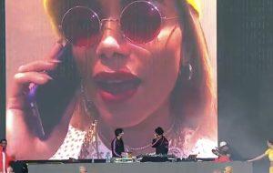 No Lolla, Tropkillaz traz Anitta no telão, faz todos dançarem e anuncia parceria com Major Lazer