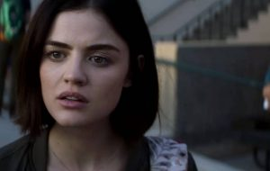 "Brincar de ""Verdade ou Desafio"" pode ser mortal neste terror com Lucy Hale e Tyler Posey"