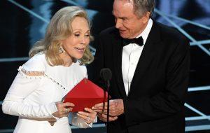 Oscar 2018: Warren Beatty e Faye Dunaway vão voltar a apresentar melhor filme