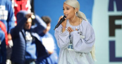 Ariana Grande tá voltando na sexta!