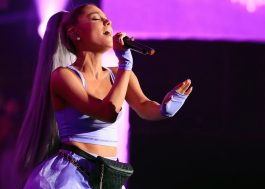 "Ariana Grande canta ""No Tears Left to Cry"" pela primeira vez ao vivo no Coachella!"