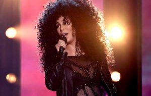 Três atrizes interpretarão a Cher em musical da Broadway! Vem conhecer!