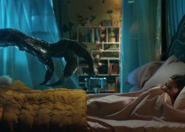 """Novo trailer de """"Jurassic World: Reino Ameaçado"""" mistura """"King Kong"""" com """"Monstros S/A"""". Vem ver!"""