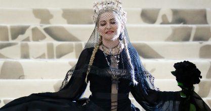 Single novo da Madonna chegando!
