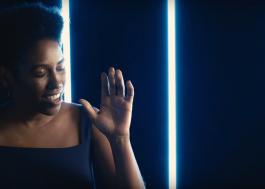 """Mahmundi lança novo single e clipe; vem ver """"Tempo Pra Amar"""""""