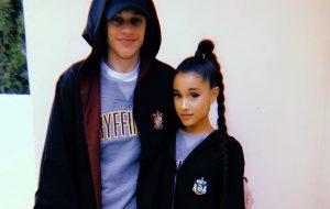 Pete Davidson publica primeira imagem junto com a Ariana Grande e 😍😍😍😍