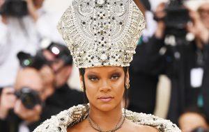 Met Gala 2018: Rihanna abençoando a todos nós e mais looks do baile