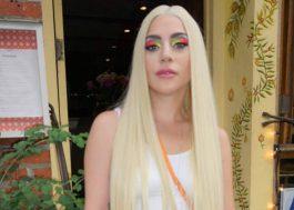 """Lady Gaga aparece linda na Parada LGBTQ de Nova York e diz: """"Amo a comunidade LGBTQ mais do que consigo dizer"""""""