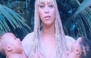 """""""On the Run II"""": gêmeos que aparecem no telão não são os da Beyoncé!"""