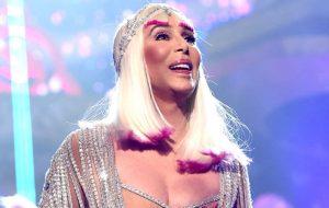 Cher anuncia que vai lançar álbum com covers do ABBA!