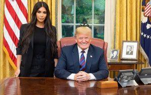 Kim Kardashian, o anjo celestial da paz, consegue perdão de Donald Trump para prisioneira