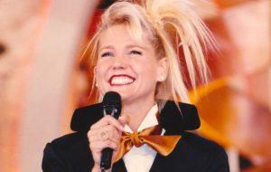 Ostentando Grammys, Xuxa comemora 35 anos de carreira!