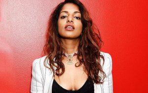 """""""Paper Planes"""", da M.I.A., é eleita a melhor música do século XXI produzida por uma mulher"""