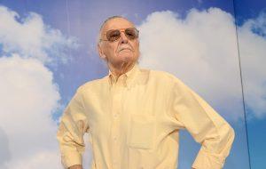 Stan Lee não morreu, mas a Siri fez a maior confusão e disse que sim!