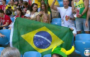 Acharam o torcedor misterioso da Copa, ele é russo e tá torcendo pro Brasil!